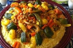 Selling: Couscous viande et légumes pour 6 personnes